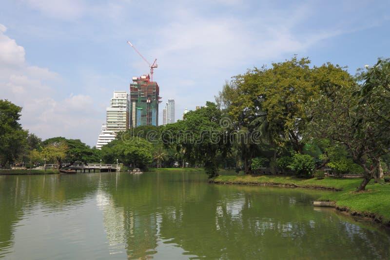 Μέτωπο ύδατος οικοδόμησης κατασκευής στοκ εικόνες με δικαίωμα ελεύθερης χρήσης