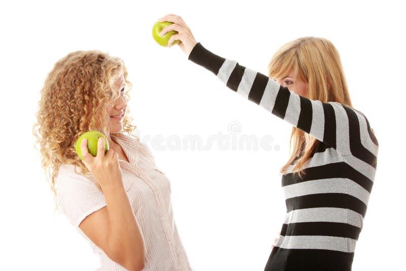 μήλα που τρώνε τον πράσινο έ&phi στοκ εικόνες