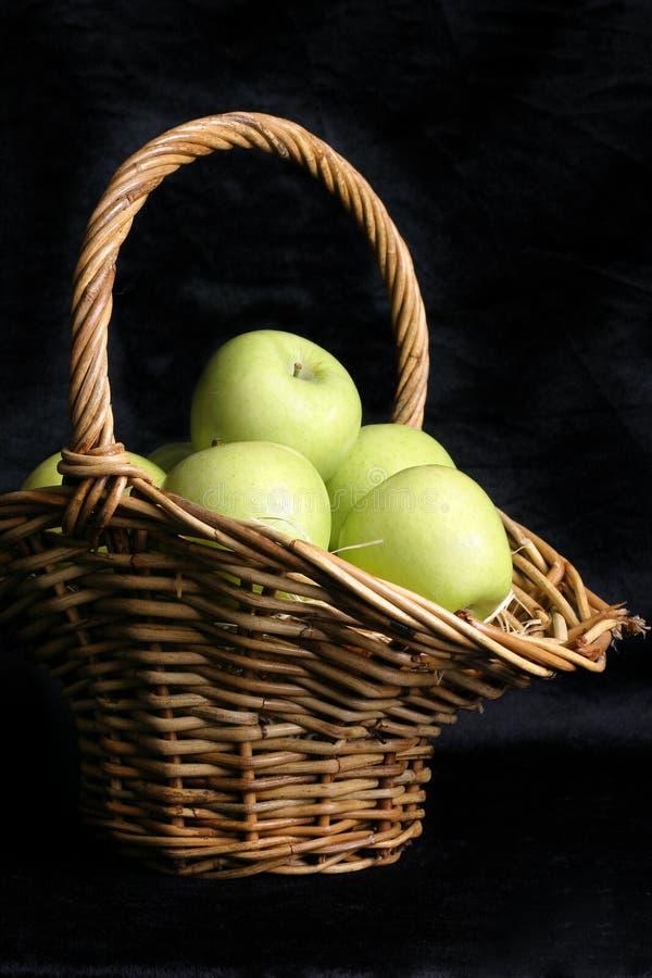 Download μήλα πράσινα στοκ εικόνα. εικόνα από μεταλλεύματα, juicy - 86675