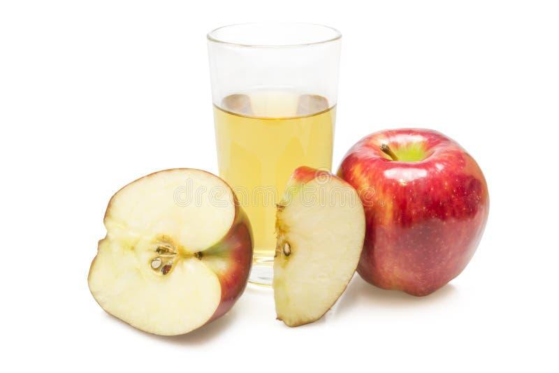 Μήλα και ποτήρι του χυμού στοκ φωτογραφίες με δικαίωμα ελεύθερης χρήσης