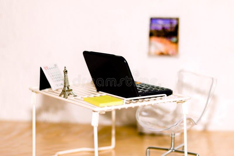 Μίνι-γραφείο στοκ εικόνες