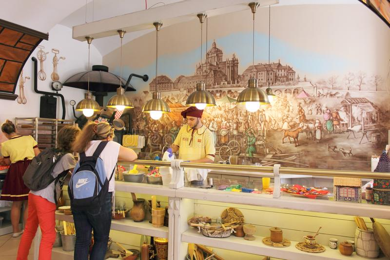 Μίνι μέλι-κέικ αρτοποιείων στοκ εικόνα με δικαίωμα ελεύθερης χρήσης