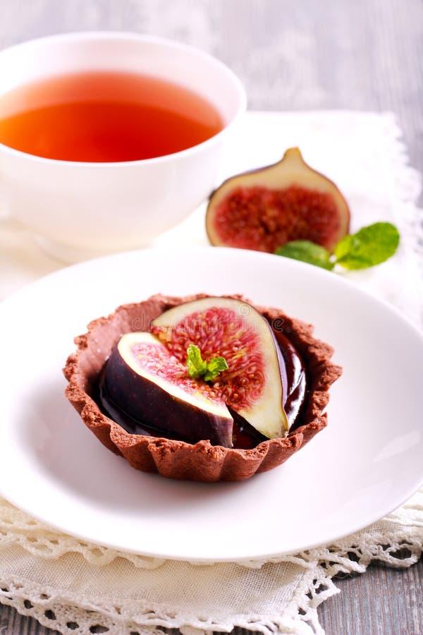 Μίνι ξινός σοκολάτας με τη σοκολάτα ganache που γεμίζει στοκ εικόνες