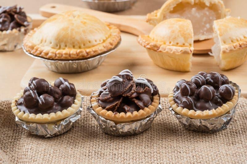 Μίνι σοκολάτα ξινή με τραγανό στοκ εικόνα με δικαίωμα ελεύθερης χρήσης
