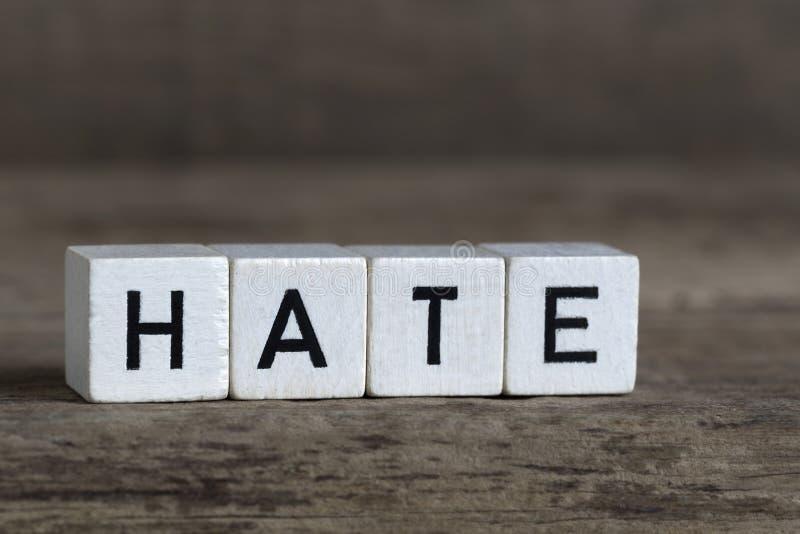 Μίσος, που γράφεται στους κύβους στοκ φωτογραφία με δικαίωμα ελεύθερης χρήσης
