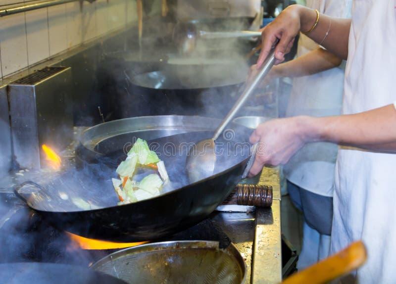 Μαγείρεμα αρχιμαγείρων στοκ εικόνα