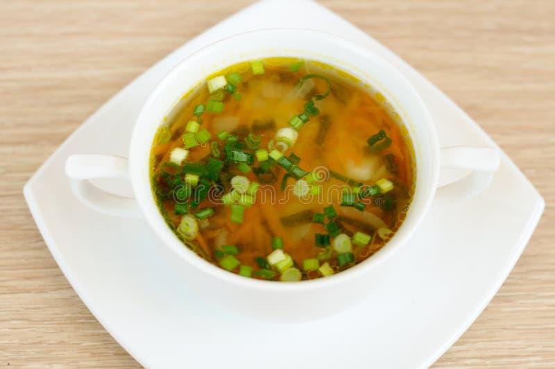 μαγειρεύοντας εύγευστη σούπα βασικών μπιζελιών στοκ εικόνα με δικαίωμα ελεύθερης χρήσης