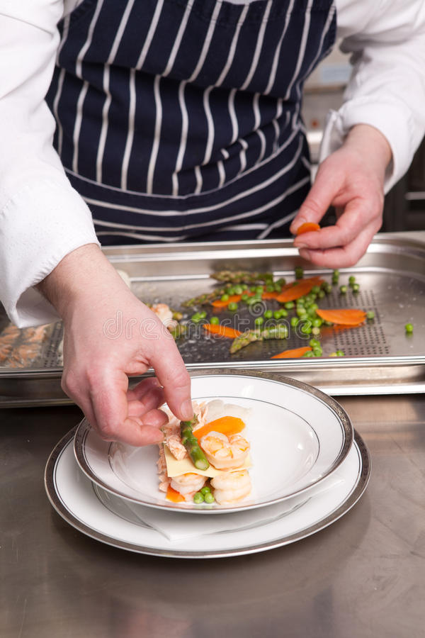 Download μαγειρεύοντας θαλασσ&iota στοκ εικόνα. εικόνα από προετοιμαστείτε - 17055455