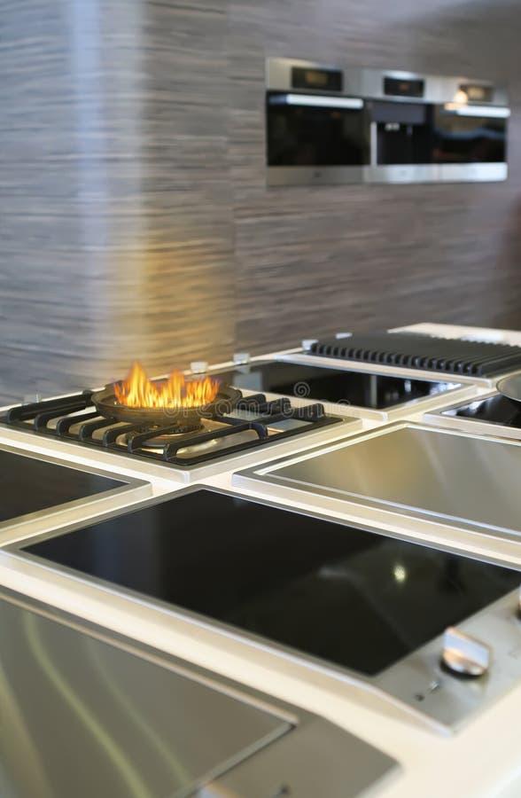 μαγειρεύοντας σύγχρονο  στοκ εικόνα με δικαίωμα ελεύθερης χρήσης