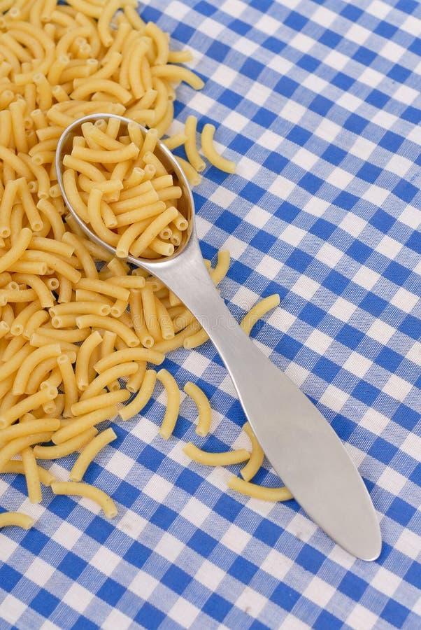 μαγειρεύοντας macaroni ζυμαρι&k στοκ φωτογραφία με δικαίωμα ελεύθερης χρήσης