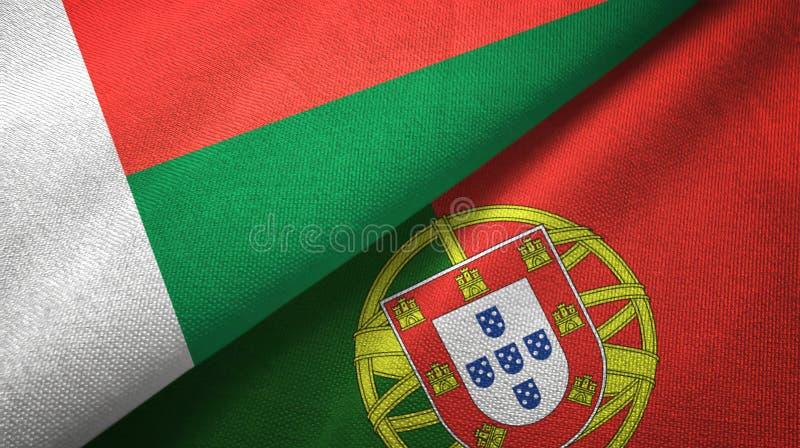 Μαδαγασκάρη και Πορτογαλία δύο υφαντικό ύφασμα σημαιών, σύσταση υφάσματος ελεύθερη απεικόνιση δικαιώματος