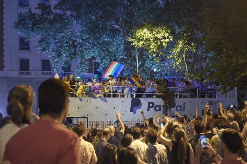 ΜΑΔΡΊΤΗ - 7 ΙΟΥΛΊΟΥ: Περίπατος ομοφυλόφιλων και λεσβιών στην ομοφυλοφιλική παρέλαση υπερηφάνειας στις 7 Ιουλίου 2018 στη Μαδρίτη, στοκ φωτογραφία με δικαίωμα ελεύθερης χρήσης