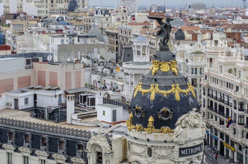Μαδρίτη, Ισπανία  Τον Οκτώβριο του 2014: Μητρόπολη που στηρίζεται στο Gran μέσω Το διάσημο κτήριο κατασκευάστηκε το 1911 από τους στοκ εικόνα με δικαίωμα ελεύθερης χρήσης