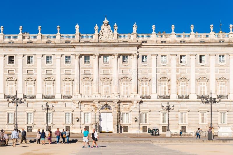 ΜΑΔΡΊΤΗ, ΙΣΠΑΝΙΑ - 26 ΣΕΠΤΕΜΒΡΊΟΥ 2017: Άποψη της οικοδόμησης της Royal Palace Διάστημα αντιγράφων για το κείμενο στοκ εικόνες με δικαίωμα ελεύθερης χρήσης