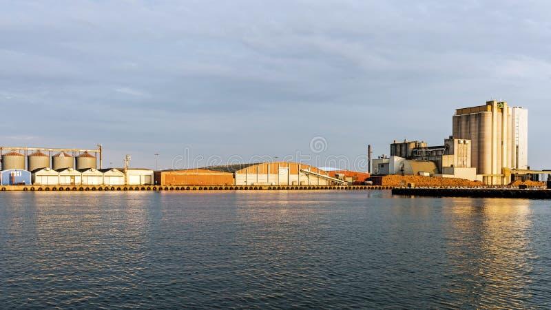 Μαζικό τερματικό στο λιμένα Kalmar στοκ φωτογραφία