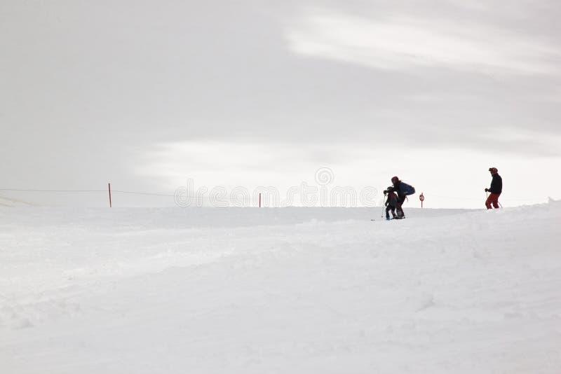 Μαθαίνοντας να κάνει σκι στον παγετώνα Hintertux, Αυστρία στοκ φωτογραφία με δικαίωμα ελεύθερης χρήσης