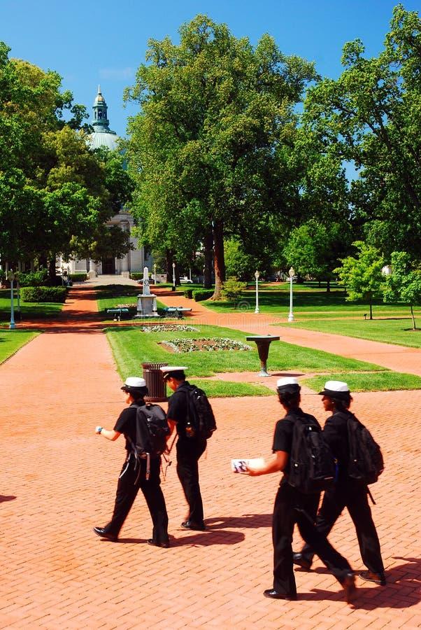 Μαθητές στρατιωτικής σχολής στην αμερικανική Ναυτική Ακαδημία στοκ φωτογραφίες