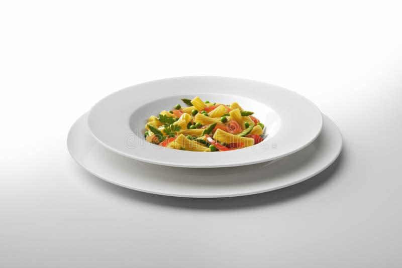 Μακαρόνια και λαχανικά πιάτων ζυμαρικών στοκ εικόνες