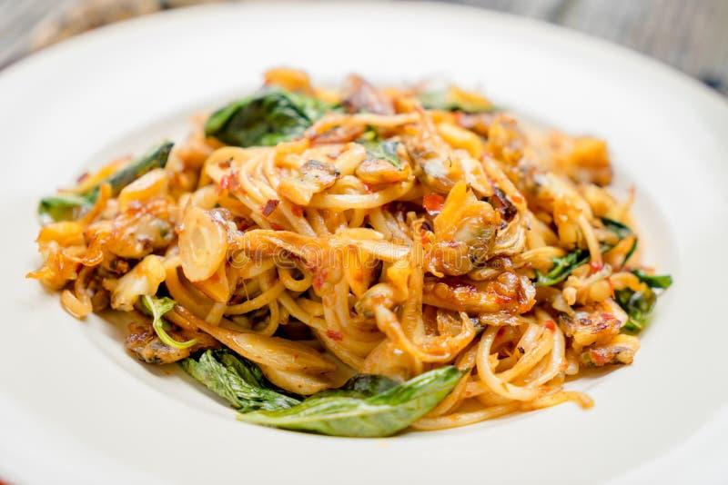 Download μακαρόνια πικάντικα στοκ εικόνα. εικόνα από μαγειρευμένος - 62716499