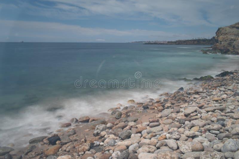 Μακριά ημέρα έκθεσης θάλασσας νερού βράχων στοκ φωτογραφία με δικαίωμα ελεύθερης χρήσης