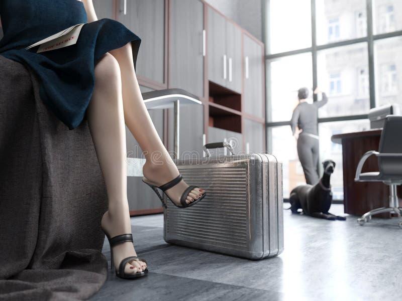 Μακριά πόδια γυναικών με την περίπτωση μετάλλων, κορυφή - μυστική έννοια στοκ φωτογραφίες