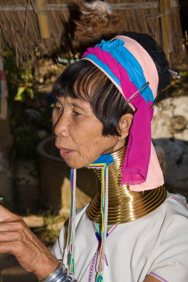 μακριές γυναίκες φυλών λαιμών λόφων στοκ φωτογραφία με δικαίωμα ελεύθερης χρήσης