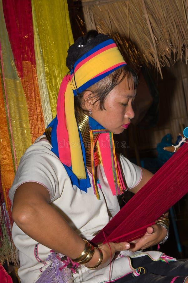 μακριές γυναίκες φυλών λαιμών λόφων στοκ εικόνες