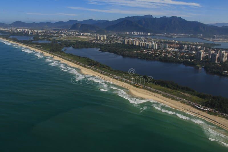 Μακριές και θαυμάσιες παραλίες, παραλία DOS Bandeirantes Recreio, Ρίο ντε Τζανέιρο Βραζιλία στοκ εικόνα