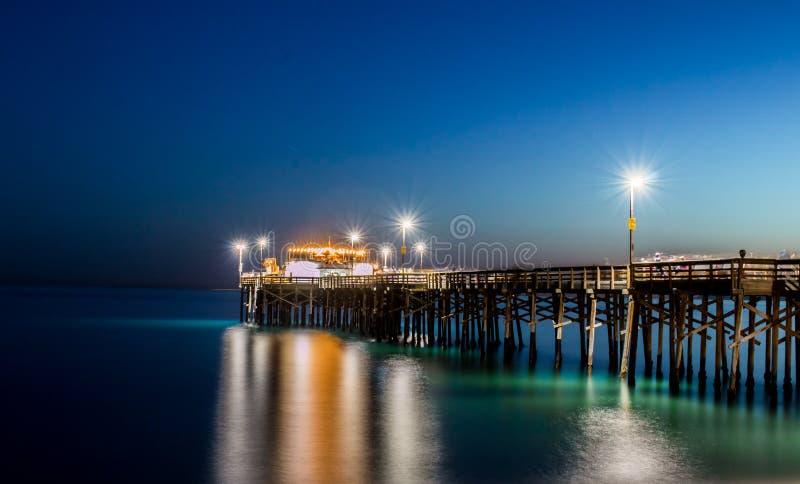 Μακροχρόνια έκθεση της αποβάθρας BALBOA στο Newport Beach Καλιφόρνια στοκ φωτογραφίες