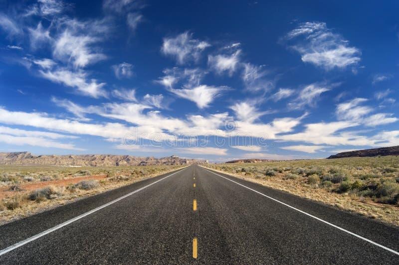 μακρύς πουθενά δρόμος στοκ φωτογραφίες με δικαίωμα ελεύθερης χρήσης