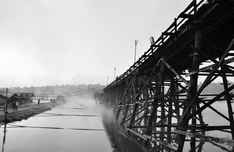 Μακρύτερη ξύλινη γέφυρα - Ταϊλάνδη στοκ εικόνες με δικαίωμα ελεύθερης χρήσης