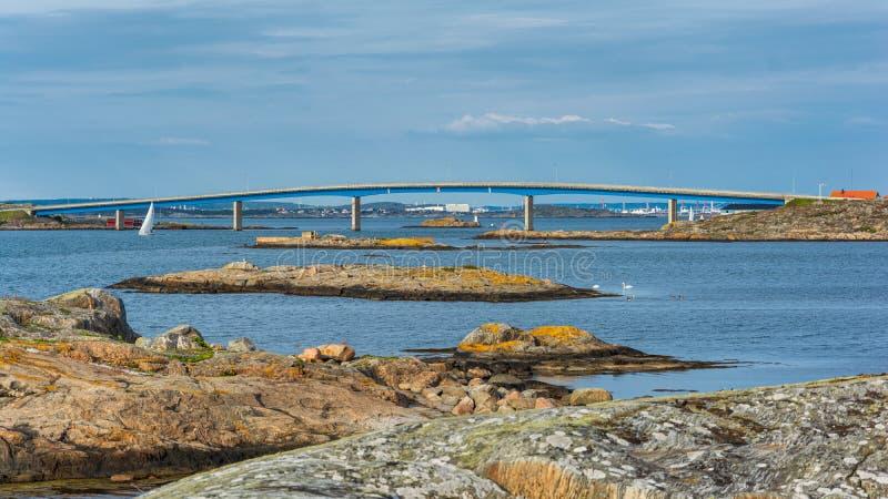 Μακρύ hono σύνδεσης γεφυρών με το νησί foto στοκ εικόνες