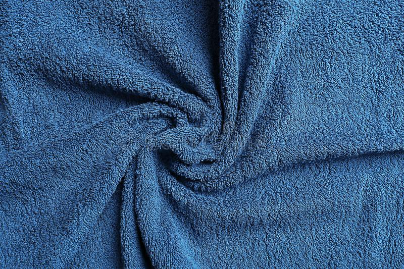 Μαλακή πετσέτα χρώματος με τις πτυχές στοκ εικόνα