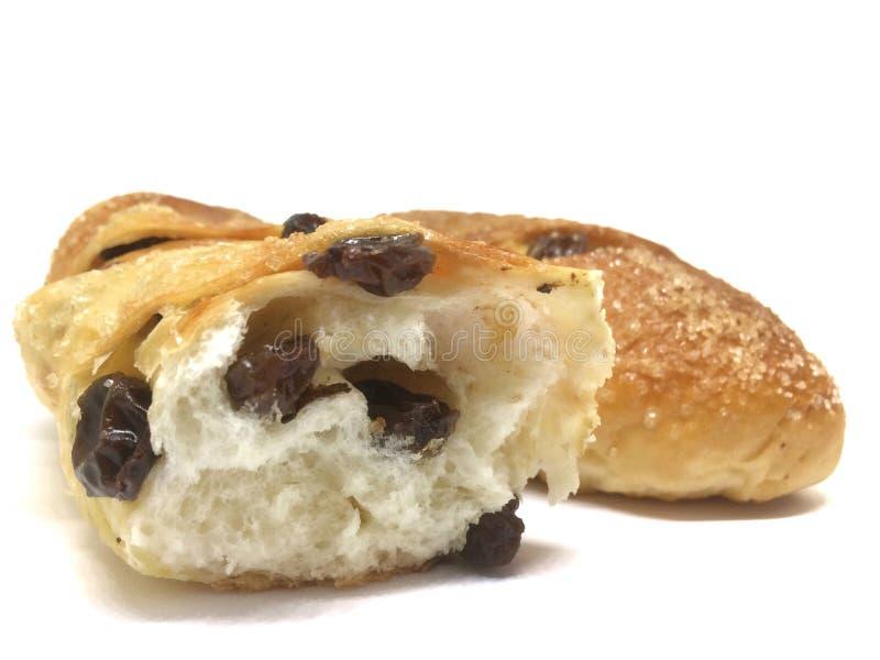 Μαλακό ψωμί σταφίδων στο άσπρο υπόβαθρο στοκ φωτογραφίες με δικαίωμα ελεύθερης χρήσης
