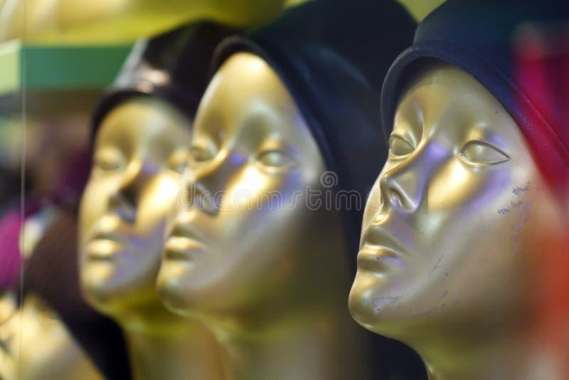 Μανεκέν στα καταστήματα Μπουτίκ μόδας στοκ φωτογραφία με δικαίωμα ελεύθερης χρήσης