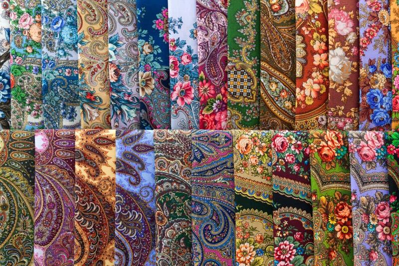 Μαντίλι με τα floral σχέδια στοκ εικόνα με δικαίωμα ελεύθερης χρήσης