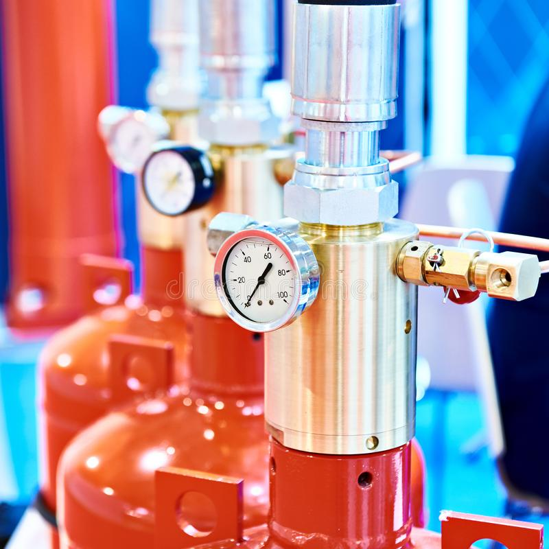 Μανόμετρο στην ενότητα για την εξάλειψη αερίου στοκ φωτογραφίες με δικαίωμα ελεύθερης χρήσης