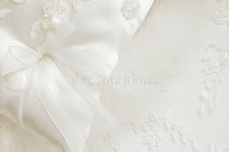 Άσπρο γαμήλιο υπόβαθρο στοκ εικόνα με δικαίωμα ελεύθερης χρήσης