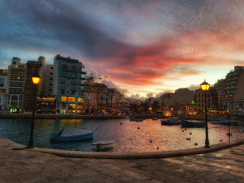 Μαρίνα γιοτ SAN Giljan στο ηλιοβασίλεμα στοκ φωτογραφίες με δικαίωμα ελεύθερης χρήσης