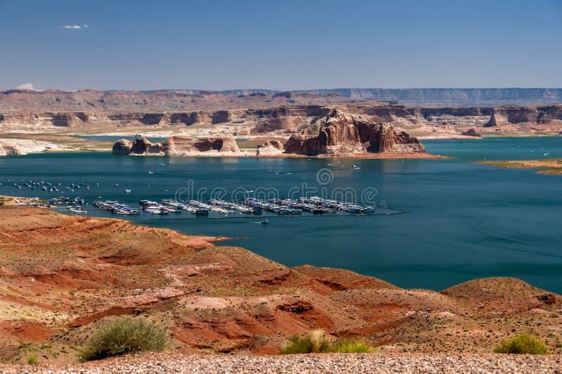 Μαρίνα Powell λιμνών κοντά στη σελίδα στοκ εικόνα με δικαίωμα ελεύθερης χρήσης