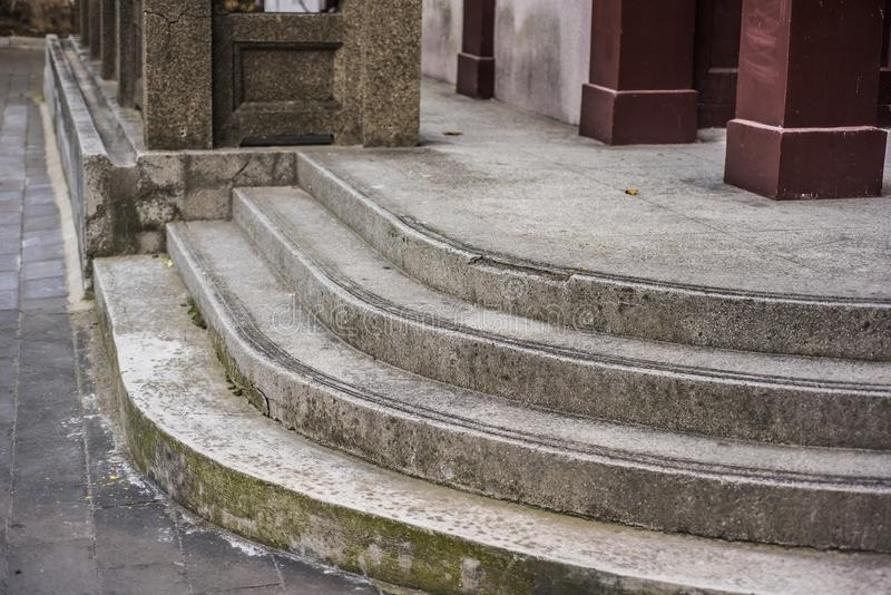 Μαρμάρινα βήματα των μικρών μπανγκαλόου στοκ φωτογραφίες με δικαίωμα ελεύθερης χρήσης