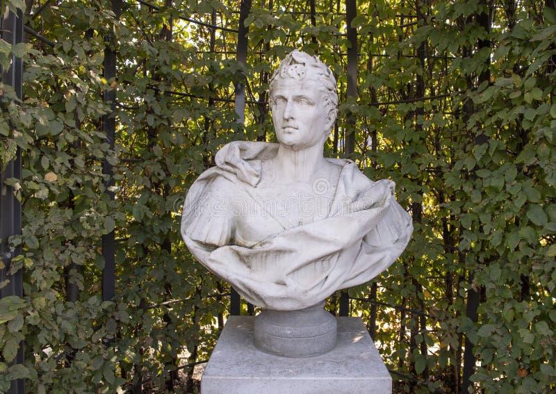 Μαρμάρινη αποτυχία του Καρράρα ενός ρωμαϊκού αυτοκράτορα, κήπος γλυπτών, Rijksmuseum, Άμστερνταμ, Κάτω Χώρες στοκ εικόνες