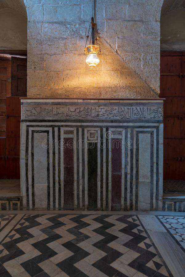 Μαρμάρινος τοίχος που διακοσμείται με τα γεωμετρικά και floral σχέδια στο μαυσωλείο Al Ghuri σουλτάνων, Κάιρο, Αίγυπτος στοκ φωτογραφίες με δικαίωμα ελεύθερης χρήσης