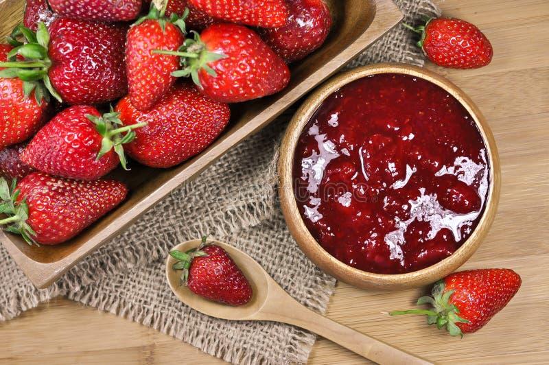 Μαρμελάδα ή μαρμελάδα φραουλών στοκ εικόνα