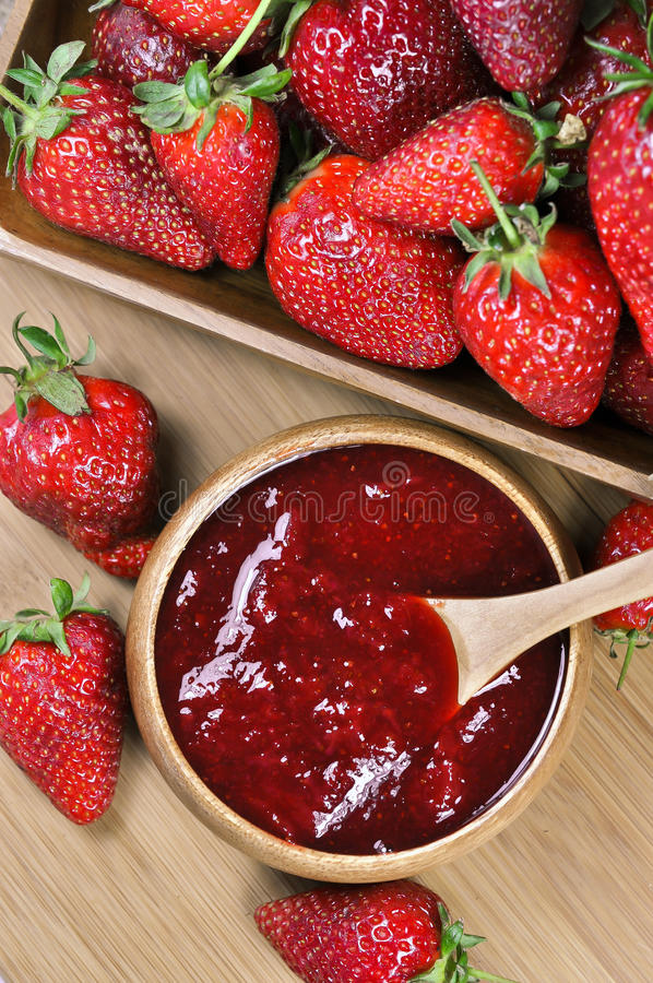 Μαρμελάδα ή μαρμελάδα φραουλών στοκ εικόνες