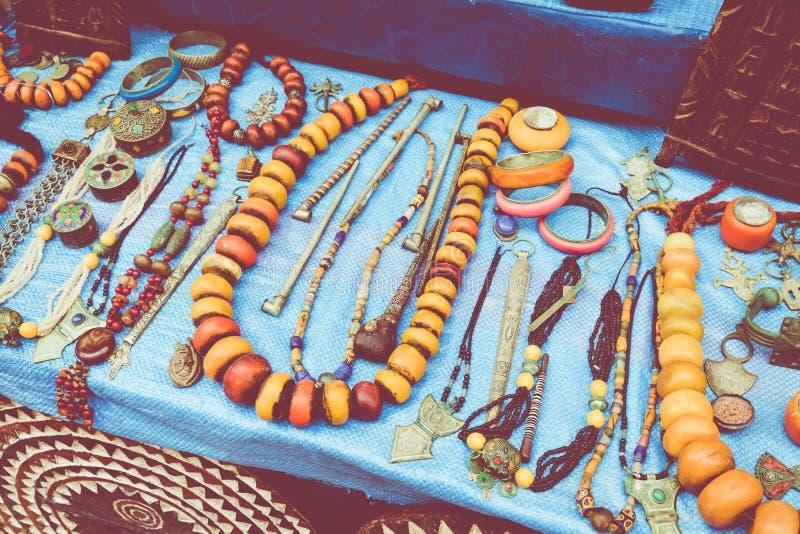 Μαροκινά αναμνηστικά τεχνών παζαριών στο medina, Essaouira, Μαρόκο στοκ φωτογραφίες με δικαίωμα ελεύθερης χρήσης