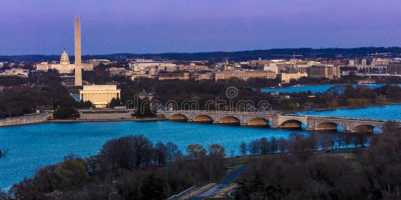 26 ΜΑΡΤΊΟΥ 2018 - ΆΡΛΙΝΓΚΤΟΝ, VA - ΠΛΎΣΙΜΟ Δ Γ - Εναέρια άποψη της Ουάσιγκτον Δ Γ από την κορυφή της πόλης Potomac, ορίζοντας στοκ εικόνες με δικαίωμα ελεύθερης χρήσης