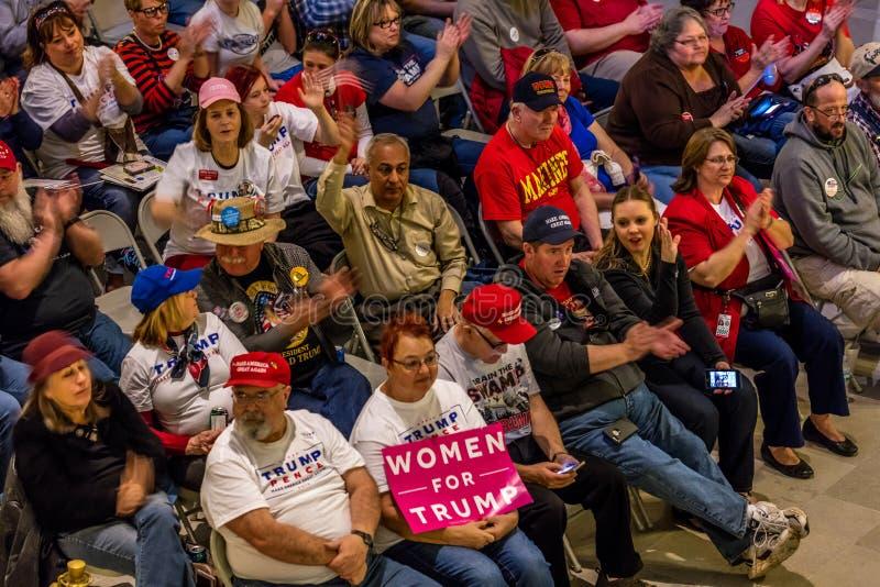 4 Μαρτίου 2017 - ΠΟΛΗ του JEFFERSON - Πρόεδρος Trump Supporters Hold Rally, πόλη του Jefferson, κράτος Capitol του Μισσούρι στοκ εικόνες