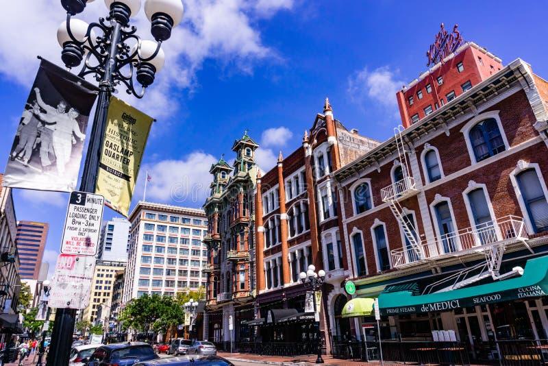19 Μαρτίου 2019 Σαν Ντιέγκο/ασβέστιο/ΗΠΑ - αστικό τοπίο στο τέταρτο Gaslamp στο στο κέντρο της πόλης Σαν Ντιέγκο στοκ φωτογραφία με δικαίωμα ελεύθερης χρήσης