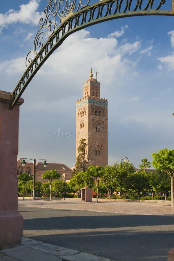 Μαρόκο, Μαρακές, μιναρές μουσουλμανικών τεμενών Koutubia στοκ φωτογραφία